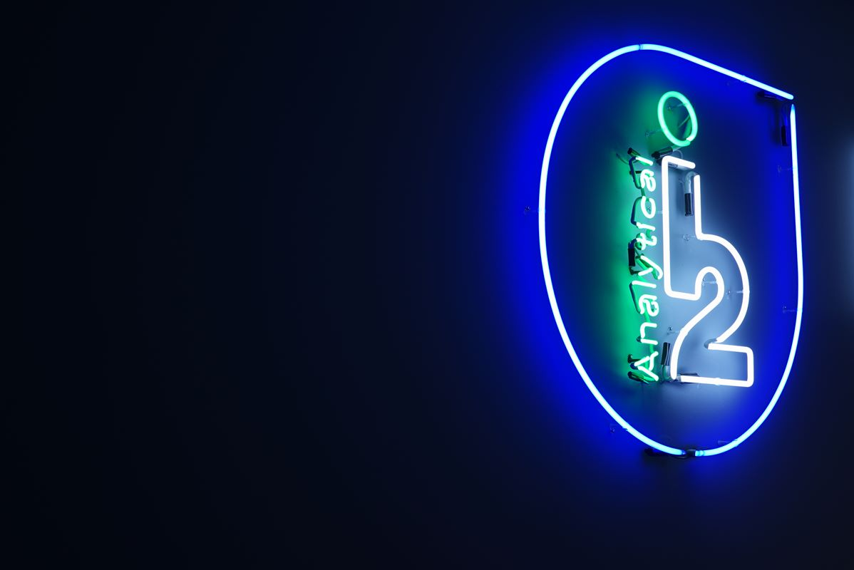 logo laboratoriów analitycznych
