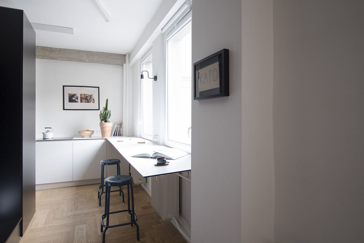 widok na kuchnię czarno białą