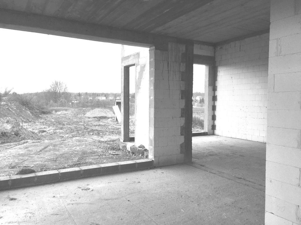 budowa-widok-z-jadalni-do-salonu