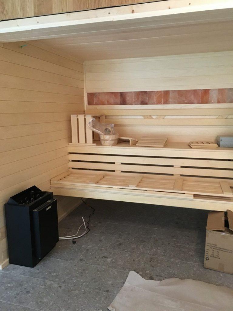 wnetrze-sauny-poczas-budowy